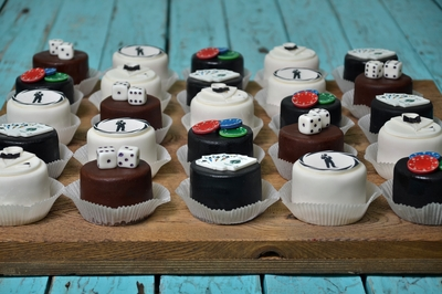 Gangster Mini cakes