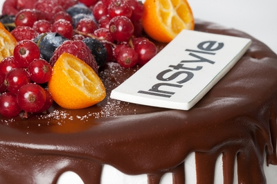 Berry cake with Logo